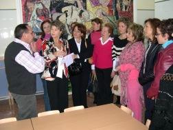 La Delegada de Educación visita dos centros educativos de Porcuna