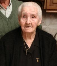 María del Carmen Aguilera cumple cien años rodeada de su familia