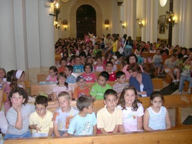 Los escolares se reúnen en la parroquia para clausurar la catequesis de este año