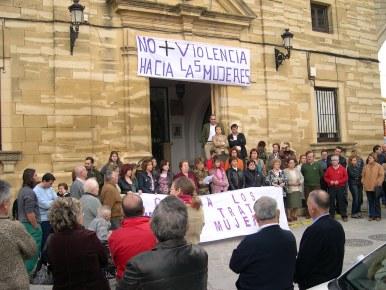 Con una concentración se celebra en Porcuna el Día de la No Violencia hacia las Mujeres
