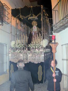 La procesión del Viernes de Dolores abre los desfiles de Semana Santa en Porcuna