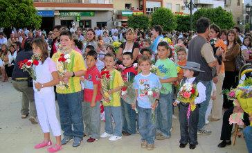 Los niños protagonistas de nuevo en la Ofrenda Floral