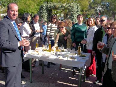 Alrededor de 2500 personas se dieron cita en la I Feria del Aceite de Oliva de Porcuna