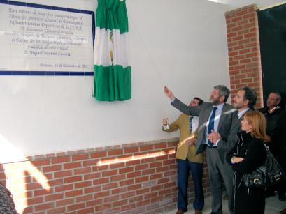 Se inaugura oficialmente el césped artificial del Campo Municipal de Fútbol