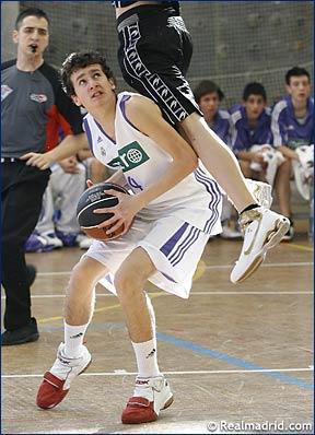 Mario Cespedosa jugó la Minicopa con el Real Madrid