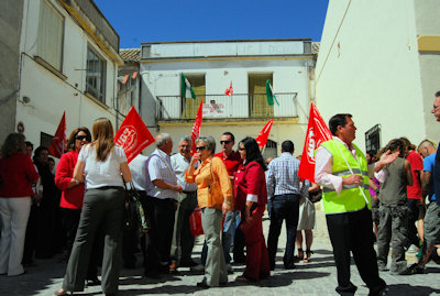 UGT y PSOE se concentran el 1 de mayo en Porcuna por la devolución de su Patrimonio Histórico