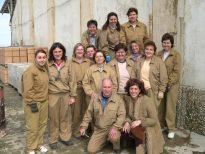 Un grupo de mujeres aprenden los oficios de cantería y barnizadoras en una acción formativa