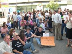 Una caravana de mil coches en protesta contra el vertedero