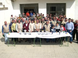 """Más de 100 pájaros se presentaron al concurso anual del Club Deportivo """"El Jilguero de Porcuna"""""""